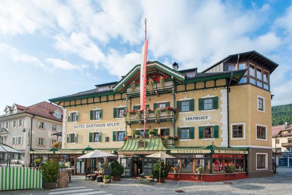 Adler - Hotel - 0